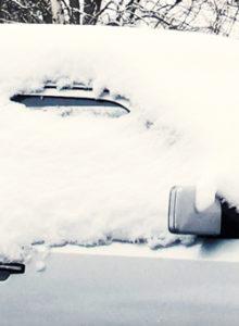Autofahren im Winter: Freie Sicht reduziert Gefahren
